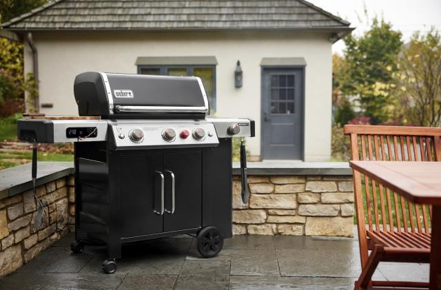 Weber brings wireless smarts to its gas grills