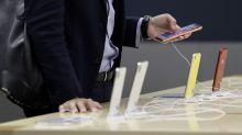 Stocks Sink as Apple, Facebook Pace the Tech Wreck: Markets Wrap