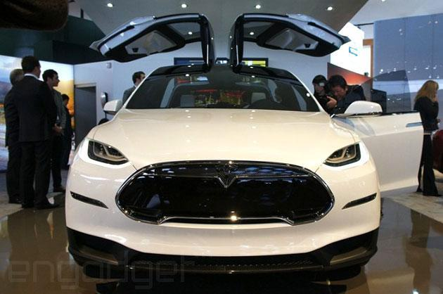 Tesla's Model X SUV enters production in early 2015, clever doors intact