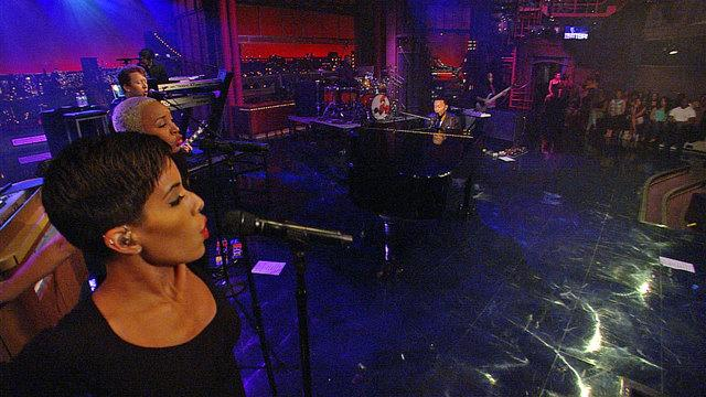 Live On Letterman - John Legend: Who Do You Think We Are