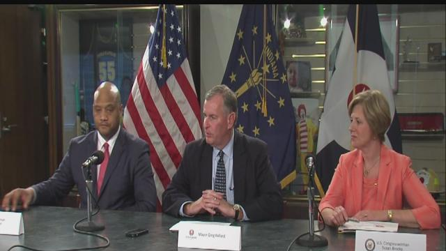 Mayor discusses anti-crime plan with congressional leaders