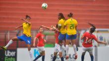 Aline brilha, mas Brasil perde para o Chile nos pênaltis em dia de temporal
