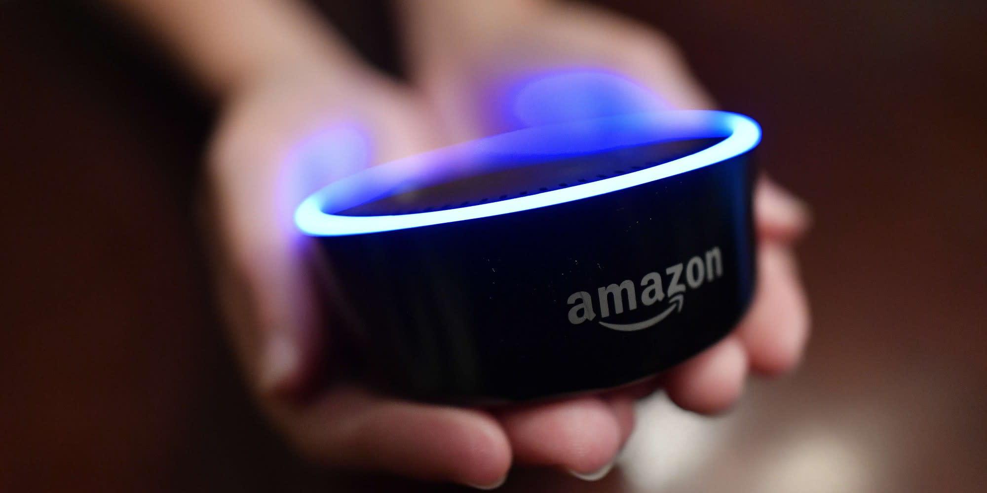 Appels à la police, ballet incessant d'inconnus... Comment Amazon a testé la voix anglaise d'Alexa