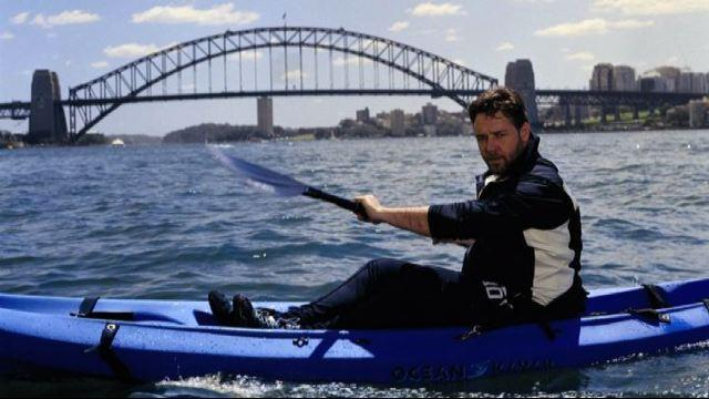 Russell Crowe si perde in kayak, salvato dalla Guardia Costiera