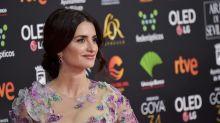 Penélope Cruz trae la primavera a los Goya 2020 con su look