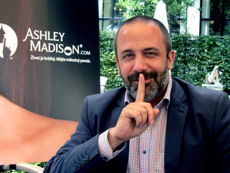 ashley madison user search