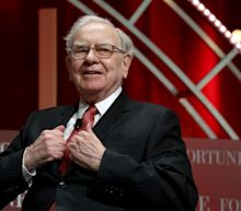 Warren Buffet Blames 'Stupidity' For Not Investing In Amazon