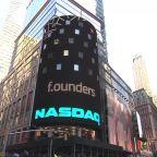 Wall Street gains, Nasdaq his record high