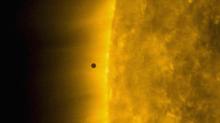 NASA spacecraft captures incredible images of Mercury skimming the Sun