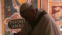 Raw: Pope Francis Prays at Tomb of St. Peter