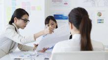 Las japonesas reclaman que les dejen llevar gafas en el trabajo