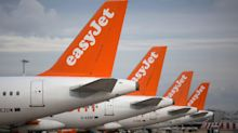 EasyJet 'putting passengers at risk' by scheduling too many flights, French pilots say