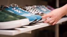 Schuh-Modell geht viral: Sneaker erinnern angeblich an Adolf Hitler