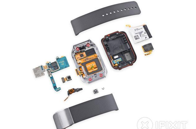 Samsung Gear 2's battery is pretty easy to replace
