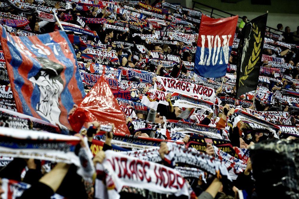 OL: Puydebois et un supporter racontent la fouille des supporters lyonnais à Rome