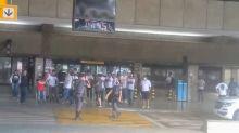 São Paulo embarca para Goiânia com protesto de torcedores no aeroporto