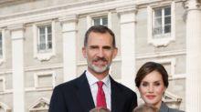 ¡Ho, ho, ho!: los Reyes y sus hijas nos felicitan las Navidades