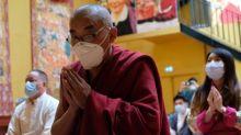 """""""Il a solidifié toute la communauté tibétaine"""" : les Tibétains de France célèbrent les 85 ans du Dalaï-Lama"""