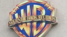 Warner Bros. TV group Chairman Peter Roth decides to step down in early 2021