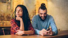 Saiba como os telefones celulares estão impactando nossos relacionamentos amorosos