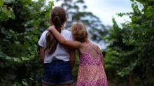 Irmãs mais velhas têm mais chances de se darem bem na vida, diz estudo