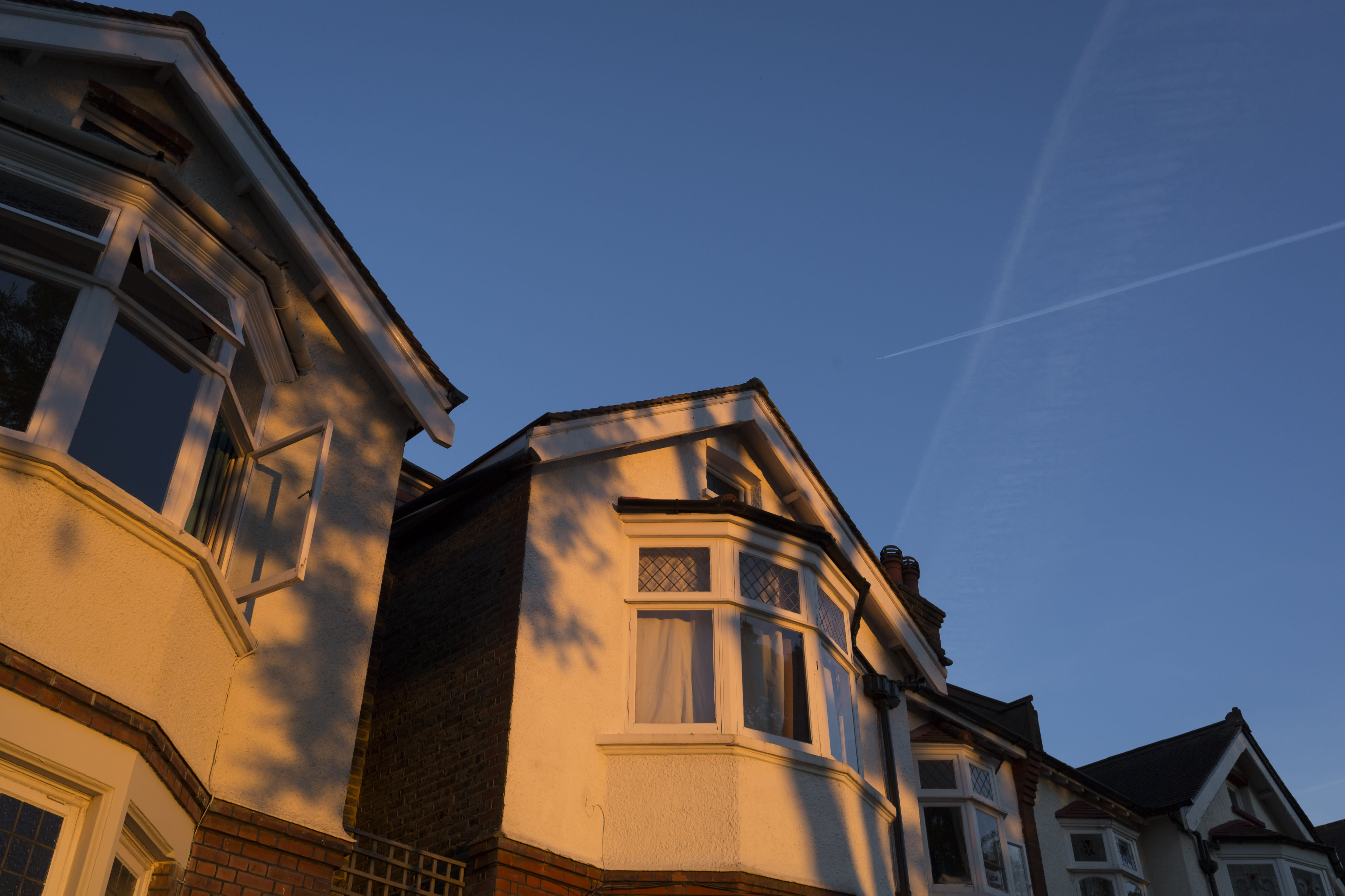 Bonus rout spells trouble for high income mortgage-holders