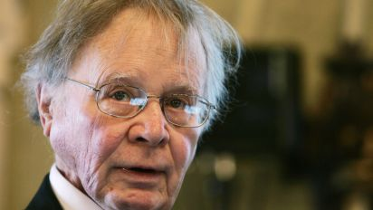 Climate scientist who brought 'global warming' term into common use dies