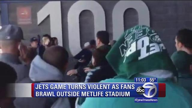 Fight breaks out as fans leave Jets game