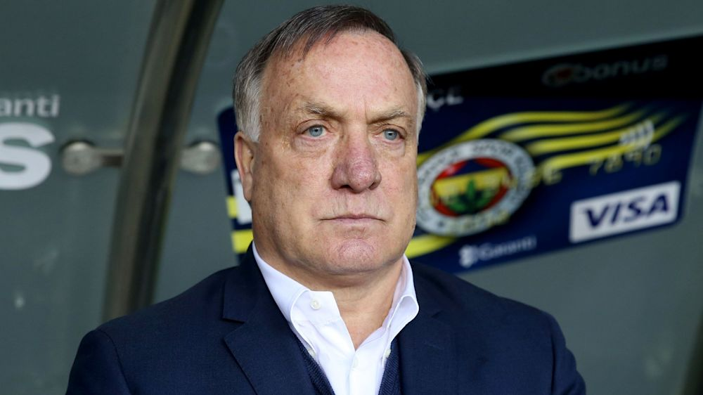 Advocaat kündigt Rücktritt bei Fenerbahce und Karriereende an
