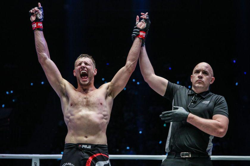 De Ridder To Challenge Aung La N Sang For Middleweight Supremacy