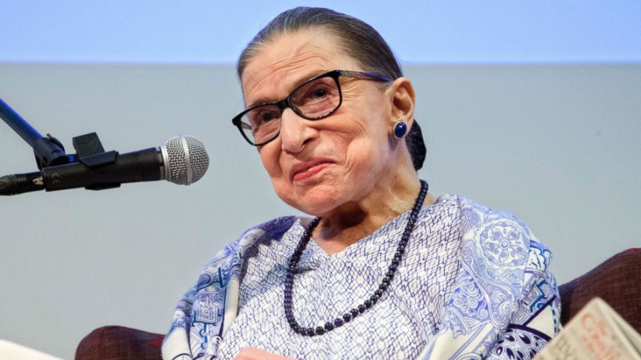 Justice Ginsburg returns to Supreme Court