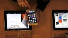 Francia investiga a Apple por mermar los iPhone antiguos