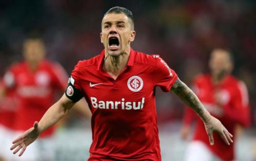De fora! Lesão tira D'Alessandro do Inter de duelo contra Corinthians