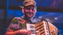 Condenan la agresión a un músico de Granada por exhibir una bandera republicana