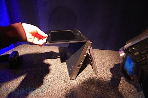 Hands-on with Panasonic's DMP-B15 portable Blu-ray player at CES 2009