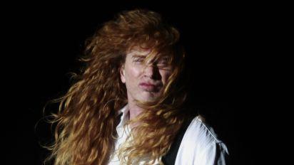 Líder do Megadeth revela câncer na garganta