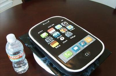 Keepin' it real fake, part LXVIII: the edible iPhone edition
