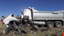 Chocan camión de basura y camioneta en Huta; Hay 6 muertos