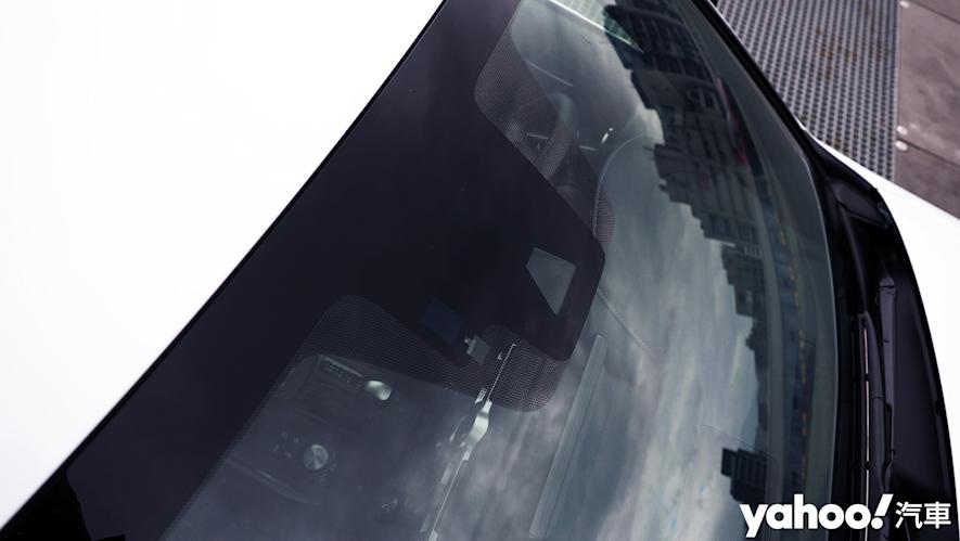 跑格煉成陣下的折衷之作!2021 Lexus小改款IS300h F Sport試駕 - 8