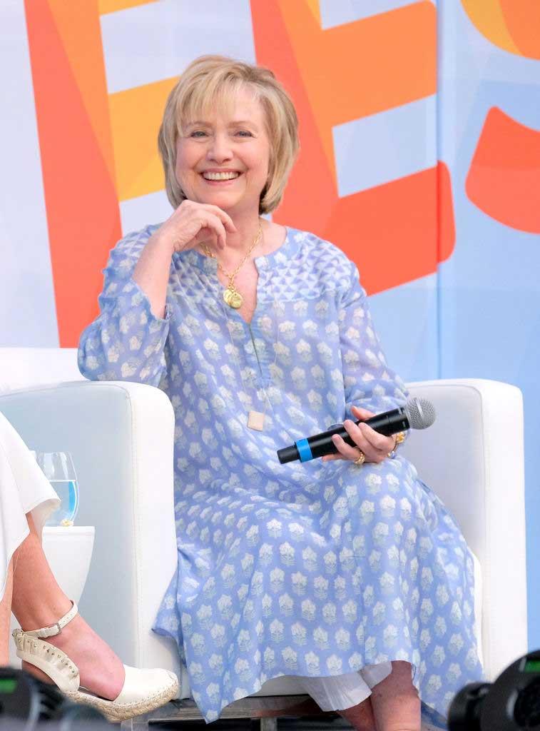 148b73811c Hillary Clinton wears Anita Dongre Erisha Tunic to Ozy Fest on July 21,  2018 in