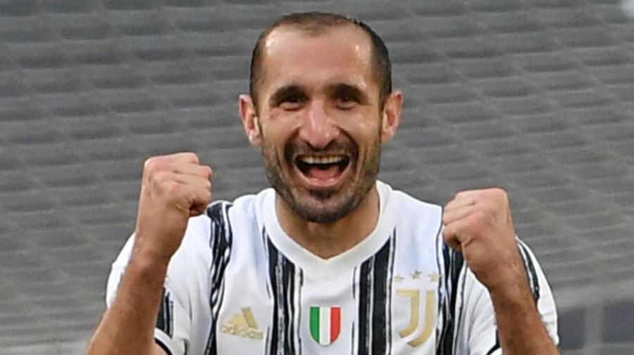 Juve, Chiellini annuncia il rinnovo: 'Lunedì sarò a Torino, pronto a ricominciare. Voglio alzare altre coppe'