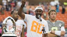 Jerry Rice, at 54 years old, runs routes at 49ers practice and still has game
