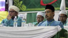 Despite calls to cut ties, PAS welcomes PKR veep at AGM