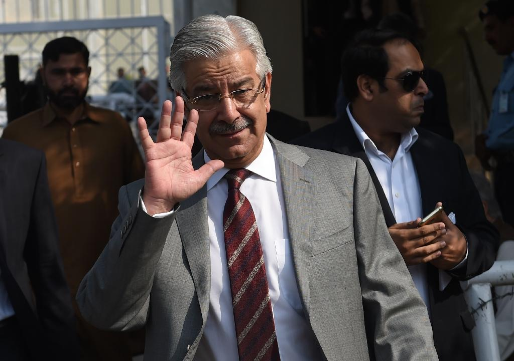 Khawaja Asif threatened nuclear retaliation against Israel after apparently being tricked by a story on a fake news site