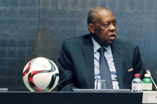 África é mais um continente a mudar o presidente desde escândalos na Fifa