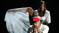 "Chris Brown, Tyga, Omarion Perform ""Ayo"" at 2015 BET Awards"