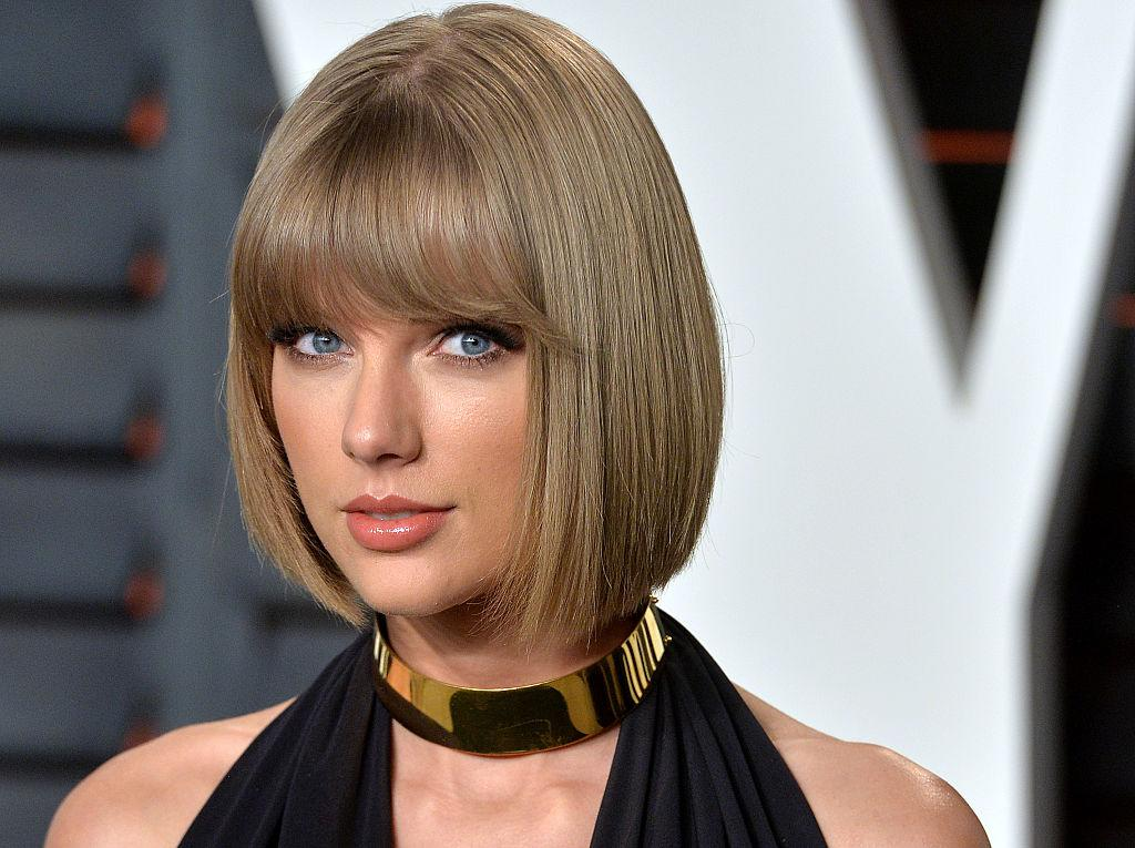 Taylor Swift Sued A Dj For Groping Her Here S What To Know About The Trial