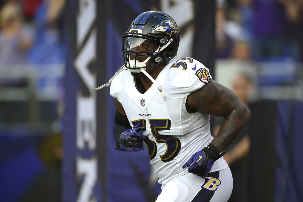 Baltimore Ravens outside linebacker Terrell Suggs is still going strong at age 35. (AP)