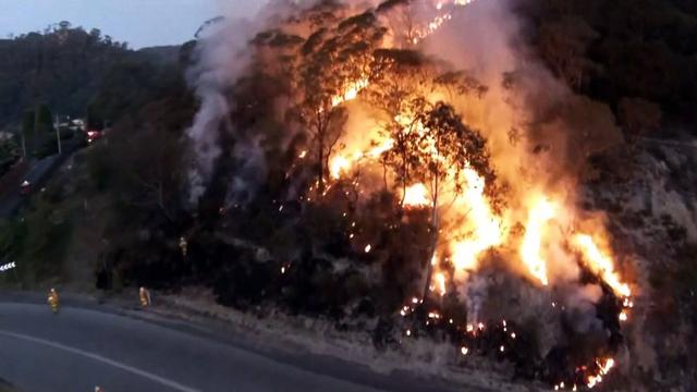 Australia wildfire video captured by drone