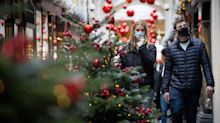 Christmas Bubbles: What Scientists Are Saying About Boris Johnson's Covid Rules